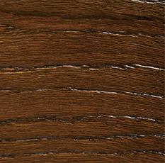 деревянное окно с брашированием